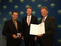 Verleihung der Umweltmedaille durch Staatsminister Dr. Marcel Huber an die Gemeinde Wildpoldsried