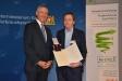 Bild vergrößert sich per Mausklick: Aushändigung des Bundesverdienstkreuzes an Prof. Dr. Armin Reller