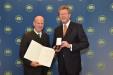 Bild vergrößert sich per Mausklick: Dr. Lutz Spandau und Staatsminister Dr. Marcel Huber