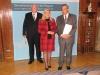 Bild vergrößert sich per Mausklick: Aushändigung des Bundesverdienstkreuzes an Herrn Kube