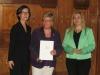 Bild vergrößert sich per Mausklick: Frau sabine Sauer und Staatssekretärin Melanie Huml