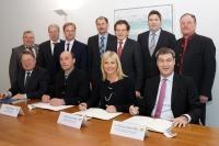 Der Freistaat Bayern hat heute mit dem Bayerischen BauernVerband eine Einigung zum so genannten Riedstrom unterzeichnet.