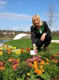 Umweltministerin Scharf besichtigt das Gelände der Landesgartenschau in Bayreuth. Die größte Landesgartenschau in der Geschichte Bayerns beginnt am 22. April.
