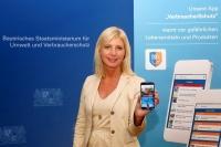 """Die Bayerische Verbraucherschutzministerin Ulrike Scharf hat die neue App """"VerbraucherSchutz"""" freigeschaltet."""