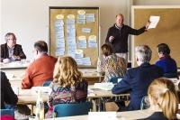 Foto: (H. Netz, ANL) Prof. Dr. Christoph Moning moderiert den Workshop. Links: Direktor Dieter Pasch.