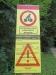 Um auf die gesperrten Wege aufmerksam zu machen, wurden an den Radwegen rund um den Falkenstein Schilder aufgestellt. (Foto: Reinhold Gaisbauer/Nationalpark Bayerischer Wald)