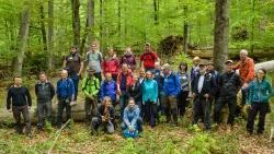 Das ganze Jahr über wurden die neuen Waldführer auf ihre Aufgaben im Nationalpark vorbereitet – größtenteils bei Schulungen im Gelände. (Foto: Thomas Michler/Nationalpark Bayerischer Wald)