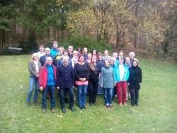 Nach der lehrreichen Tagung stellten sich alle Betreuer der in ganz Deutschland eingesetzten Commerzbank-Umweltpraktikanten zum Gruppenfoto auf. (Foto: Commerzbank)