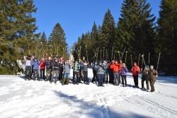 Interessante Einblicke in den Bayerwald-Winter sammelten ältere Junior Ranger aus ganz Deutschland unter anderem bei einer Tour zum Lindberger Schachten. (Foto: Neele Larondelle/EUROPARC Deutschland)