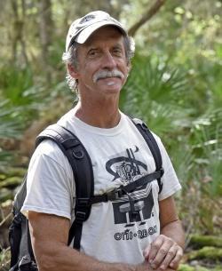 """Professor Reed Noss ist ein Experte für natürliche Störungen: """"Nicht nur viele Arten, sondern sogar ganze Ökosysteme sind von ihnen abhängig."""" (Foto: University of Central Florida)"""