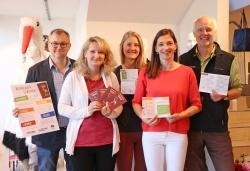 Im Zeichen der Störche steht die Arbeit des Organisationsteams um Rudi Mautner (von links), Karin Friedl, Paula Moosbauer, Evi Blach und Lukas Laux. (Foto: Gregor Wolf/Nationalpark Bayerischer Wald)