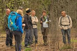Die Ranger aus Israel sammelten viele Bayerwald-Eindrücke. Claudia Schmidt erklärte etwa das aktuell laufende LIFE+ Projekt, das sich unter anderem mit Moorrenaturierungen beschäftigt. (Foto: Michael Pscheidl/Nationalpark Bayerischer Wald)