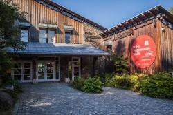 Im Neuschönauer Hans-Eisenmann-Haus gibt's demnächst größere Umbaumaßnahmen, um vor allem Schülern und Familien die Natur spielerisch näher bringen zu können. (Foto: Jo Fröhlich/Nationalpark Bayerischer Wald)