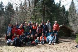 Die neu ausgebildeten Waldführer mit dem zuständigen Nationalpark-Mitarbeiter Lukas Laux (rechts)