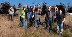Die Touristiker der Nationalparkregion mit Nationalparkleiter Sinner auf Erkundungstour am Lackenberg.Foto: Herbert Pöhnl