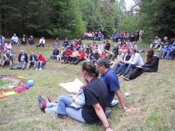 Waldgottesdienst im Waldspielgelände (Foto: Archiv NPV)