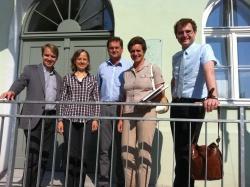 von links: MdL Tobias Thalhammer, Landschaftsarchitektin Maria Hußlein, Nationalparkleiter Dr. Franz Leibl, Dr. Annette Tschmarke und MdL Thomas Dechant (Foto: Utz Peter) .