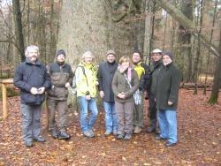 Die Müritz-Nationalpark-Partner waren begeistert von der Natur und den vielen Naturerlebnisangeboten im Nationalpark Bayerischer Wald, ganz besonders vom Urwalderlebnispfad Watzlikhain mit der dicken Tanne