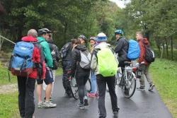 Mit dem E-Bike ging es über den Grenzübergang Buchwald nach Tschechien, wo die Gruppe immer wieder anhielt um sich Notizen über die Standorte von Infrastruktureinrichtungen zu machen.