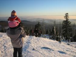 Das geräumte Winterwegenetz macht den Nationalpark zu einem Schneeparadies, an dem sich die ganze Familie erfreuen kann.