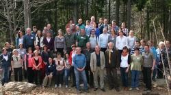 Diskutierten intensiv über Umweltbildung im Nationalpark Bayerischer Wald und vergleichbaren Schutzgebieten: Die Teilnehmer der DBU-Evaluierungstagung (Foto: NPV Bayerischer Wald)