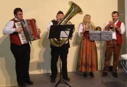 """Blasmusik im """"Kleinstformat"""" aber mit Wucht: Die Eisensteiner Blechlawine. (Foto: Eisensteiner Blechlawine)"""
