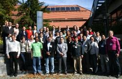 Tauschten sich drei Tage lang intensiv zu innovativen Methoden zur Erfassung und Analyse von Landökosystemen aus: Die Teilnehmer des internationalen Laserscanning-Forschungsworkshops. (Foto: NPV Bayerischer Wald)