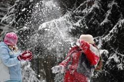 Raus in den Winterwald: Der Nationalpark Bayerischer Wald lädt alle Kinder zu einem erlebnisreichen Weihnachtsferienprogramm ein.
