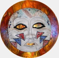 """Pahtu Woman"", in Raku-Technik gefertigte Tonmaske von Lillian Pitt"