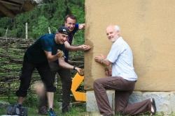 Commerzbank AG und Nationalparkverwaltung arbeiten an einer Sache, v.l. Christian Ruoff, Sven Dost, Lukas Laux. (Foto: NPV Bayerischer Wald)