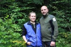 Fühlen sich wohl im Bayerischen Wald: Mirva und Matti Hyhkö aus Finnland sammeln im Nationalpark wertvolle Erfahrungen. (Foto: Gregor Wolf/Nationalpark Bayerischer Wald)