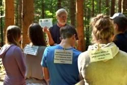 5000 Kinder und Jugendliche haben 2015 ihr Klassenzimmer in den Wald verlegt. Eine spannende Alternative, wie sämtliche Teilnehmer befanden. (Foto: Nationalpark Bayerischer Wald)