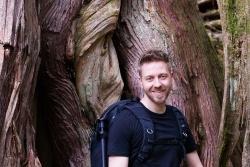 """Umweltpädagoge Thomas Michler leitet das Bildungsprogramm """"Nationalpark-Schulen"""". (Foto: Nationalpark Bayerischer Wald)"""