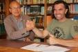 """Prominenter Unterstützer des neuen Kletterkonzepts ist Thomas Huber (r.) von den """"Huberbuam"""". Er unterzeichnete das Papier gemeinsam mit Nationalparkleiter Dr. Michael Vogel."""