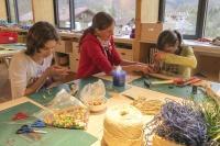 Vorweihnachtliches Basteln im Bildungszentrum