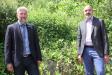 Nationalpark-Leiter Dr. Roland Baier (l.) begrüßte den neuen Leiter des Referats 63 im Bayerischen Umweltministerium, Johannes Pain (r.), bei der Beiratssitzung des Nationalparks Berchtesgaden in Schönau am Königssee.